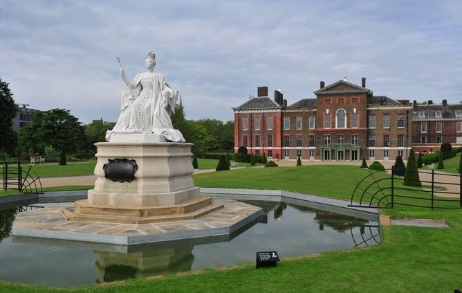 英国旅游必到景点—肯辛顿宫